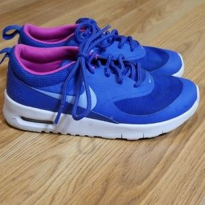 Girls Nike blue and pink tennis shoes size 12.5